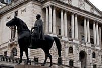 statue outside bank of england headquarters
