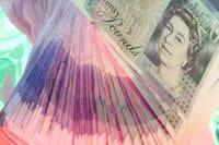 A fan of 20 pound notes