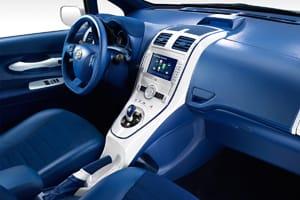 Frankfurt Motor Show: Toyota Auris Hybrid interior