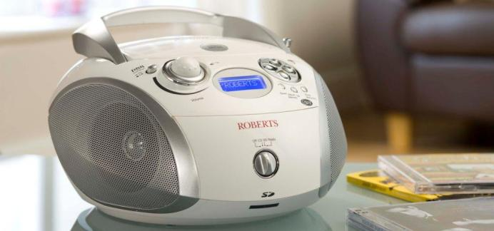 Roberts ZoomBox DAB radio white