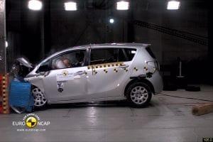 Toyota Verso crash test