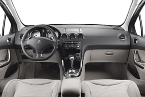 The interior of the updated 2011 Peugeot 308