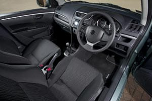Suzuki Swift DDiS 1.3 diesel interior