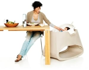 Stokke bouncer at table