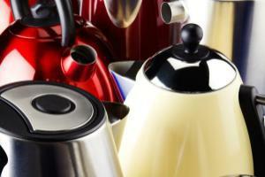 Several kettles bunched together