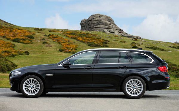 BMW 5 Series Touring 1.jpg