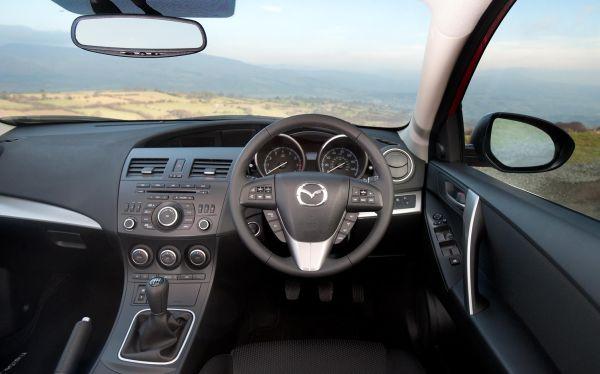 Mazda 3 4.jpg