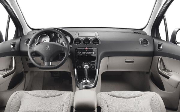 Peugeot 308 4.jpg