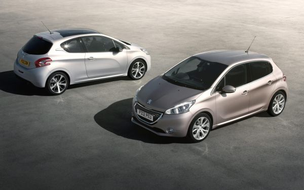 hot car deal 4 000 discounts on peugeot 208 which news. Black Bedroom Furniture Sets. Home Design Ideas