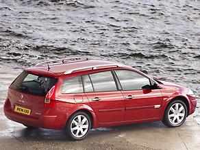 Renault Megane Sport Tourer 2003 red static r3q