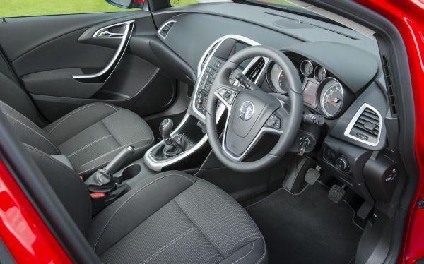 Vauxhall Astra 5.jpg