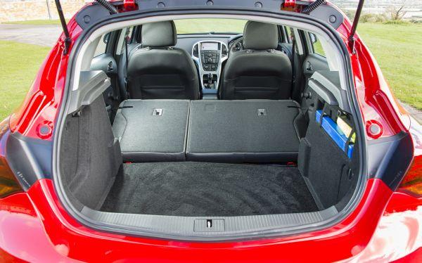 Vauxhall Astra 7.jpg