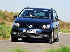 01-VW-Touran