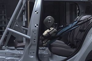 Fabric child car seat disintegrates during crash test