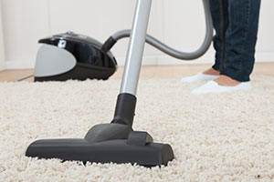 vacuum-cleaner-on-rug