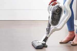 Which tries out black and decker s new ora cordless for Aspirateur mural black et decker