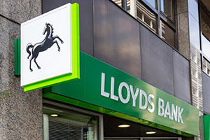 high street Lloyds bank branch