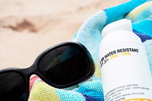 SPF-sun-cream-bottle