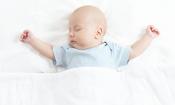 Help your baby sleep in the heat