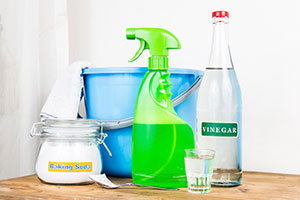 Vinegar for cleaning
