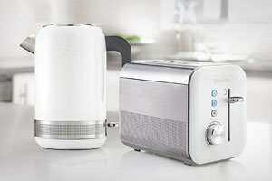 Breville High Gloss kettle and toaster