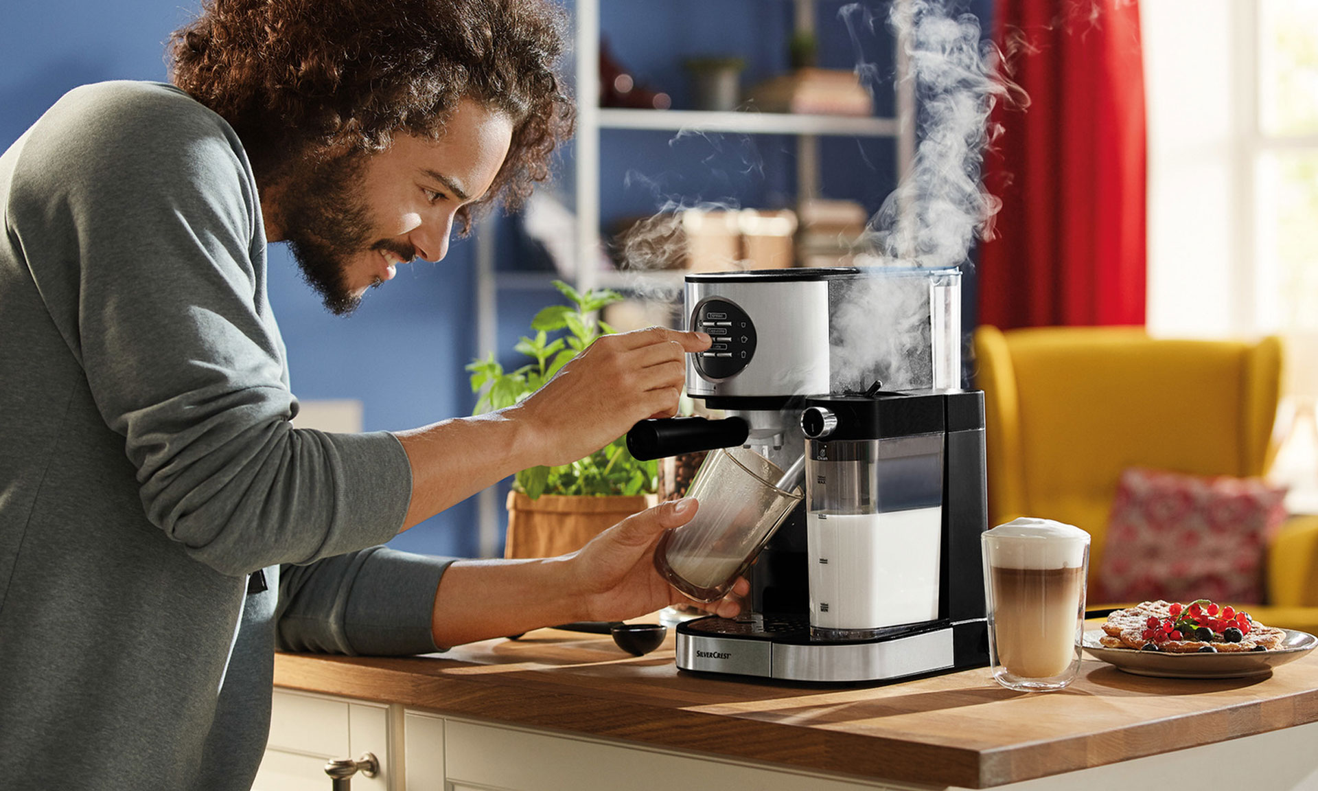 80 lidl coffee machine back in stores which news. Black Bedroom Furniture Sets. Home Design Ideas