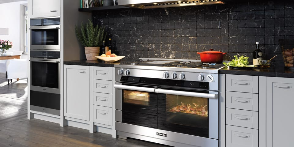 Miele launches £17,000 range cooker