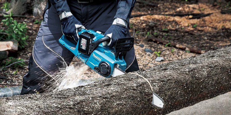 Which? tries out new Makita cordless chainsaw – Which? News
