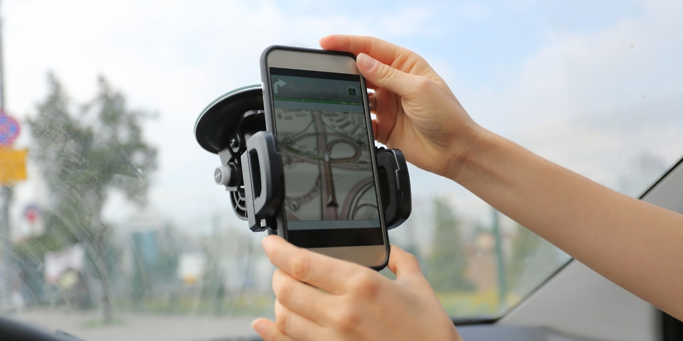 Did you know you could be fined for using a sat nav app while driving?
