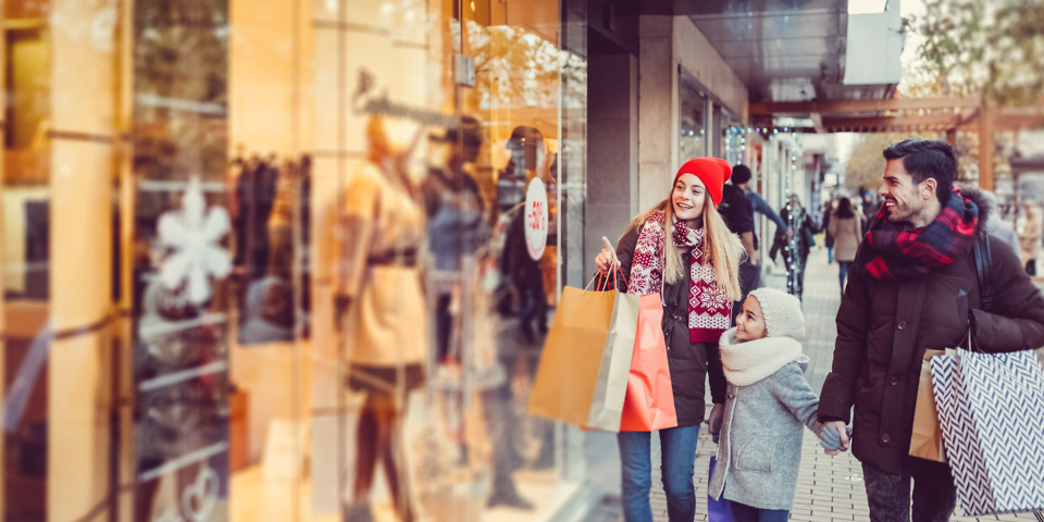 17 smart ways to save on Christmas shopping in 2017