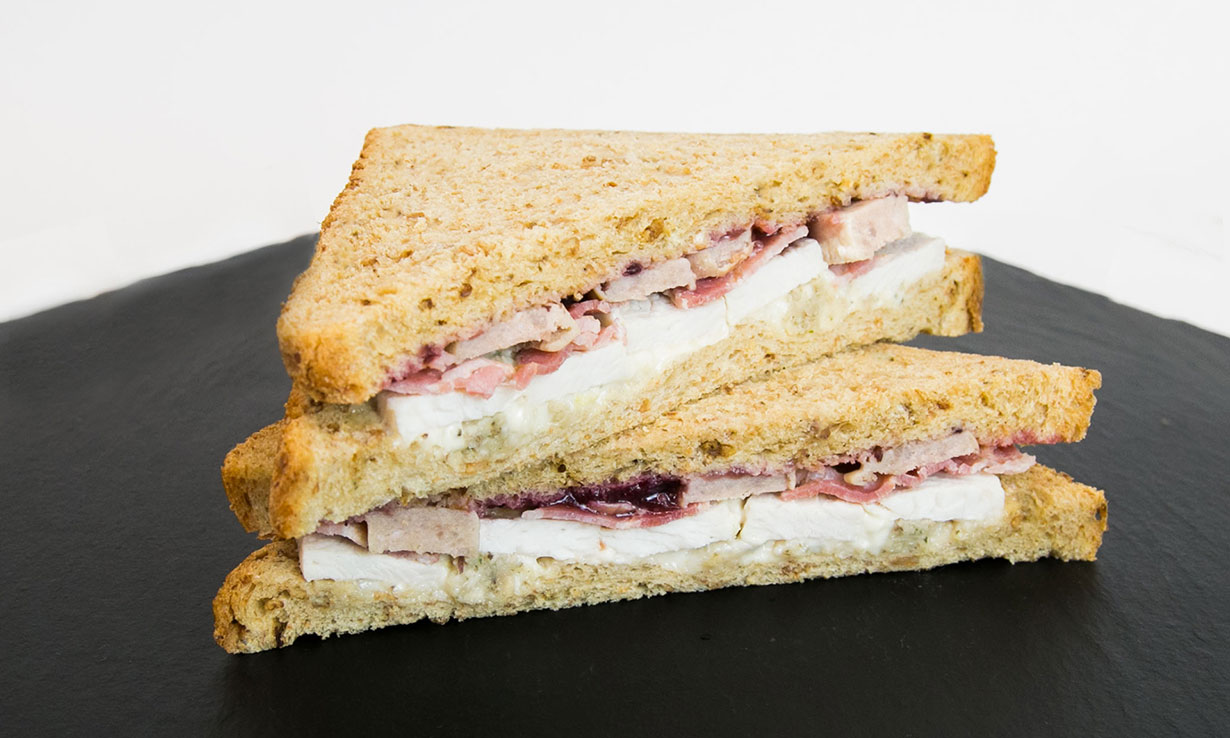 Tesco Turkey and Trimming Sandwich