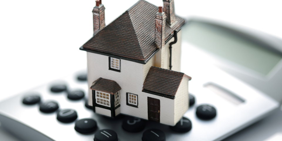 Should you fix your mortgage rate for seven or ten years?