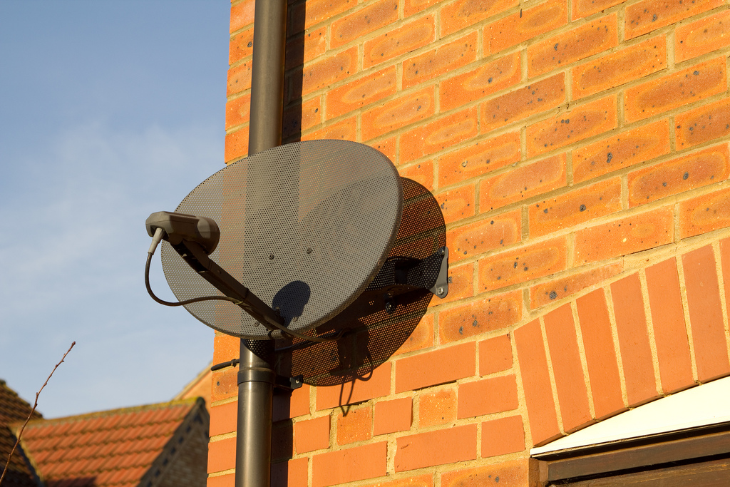 Your Sky Hd Box Isn T Getting A Satellite Signal >> Sky Tv Announces Satellite Dish Will No Longer Be Required