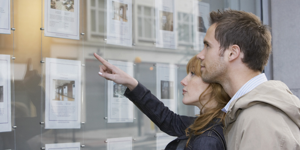 First-time buyers saving bigger mortgage deposits for fewer properties