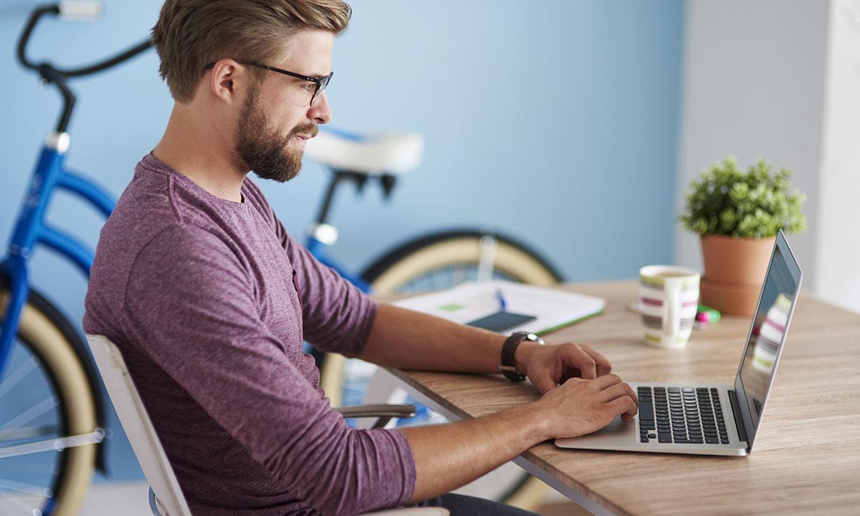 Dell Xps 13 Vs Macbook Pro Latest Which Laptop Testing News Lenovo Ideapad 330s 14ikb Brid