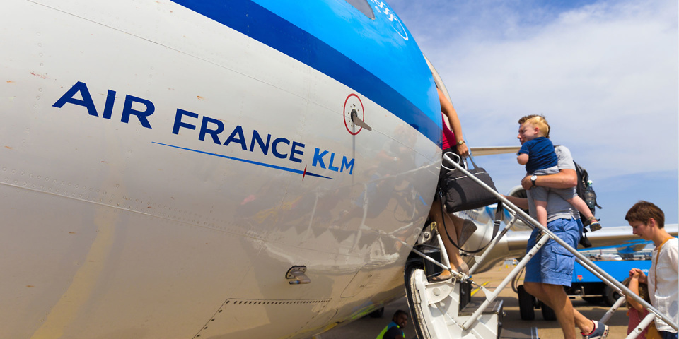 Exclusive: KLM and Air France charge credit card fees despite surcharge ban