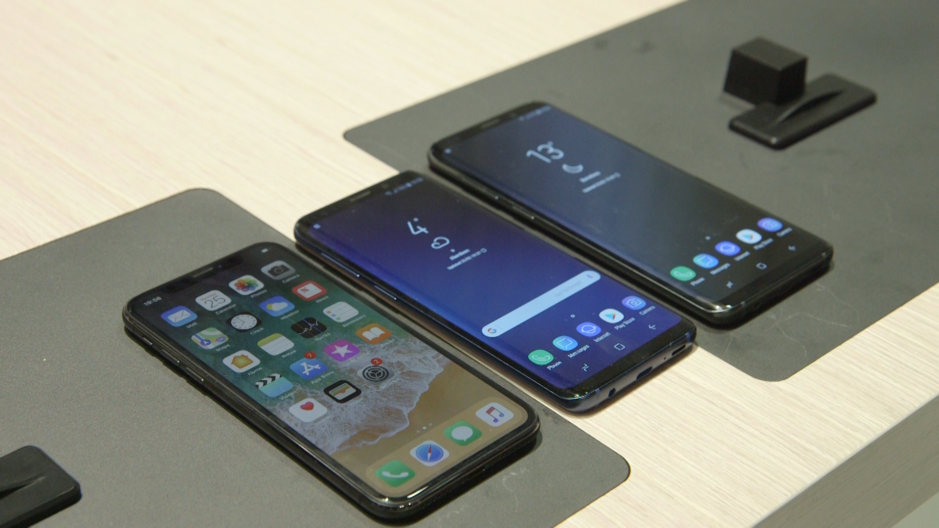 Iphone X Vs Samsung Galaxy S9 And S9 The Showdown Which