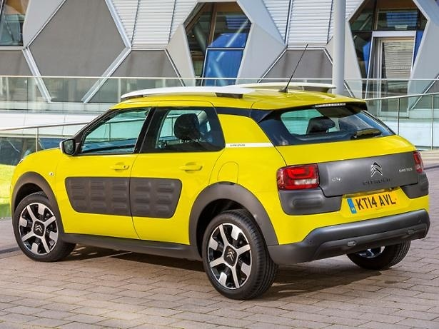 Citroen C4 Cactus 2014 - yellow with black side panels