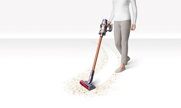 Dyson V10 Absolute in use