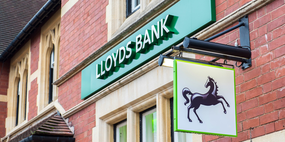 Lloyds Bank and Bank of Scotland slash current account interest rate