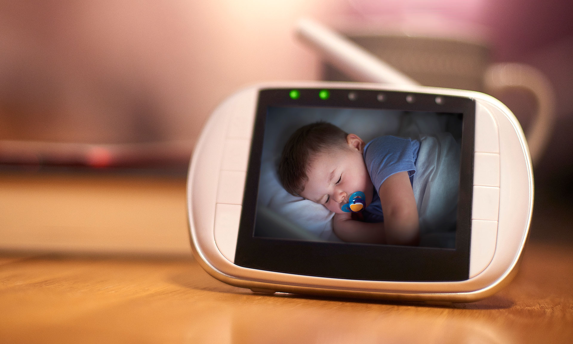 new baby monitor reviews reveal stark contrast between. Black Bedroom Furniture Sets. Home Design Ideas