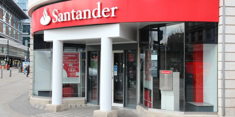Santander scraps unarranged overdraft fees on fee-charging accounts