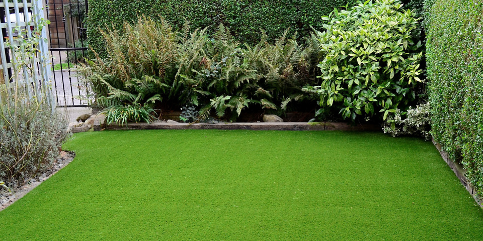 Artificial grass – the best way to a green lawn in the drought?