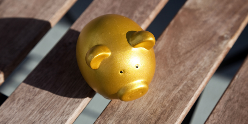 12 tips for boosting your cash savings