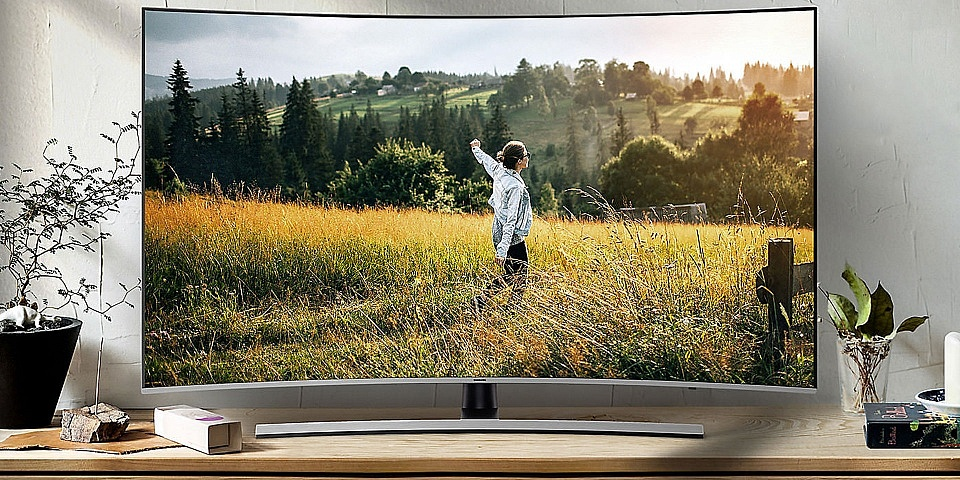 Should you buy a curved or flatscreen TV?