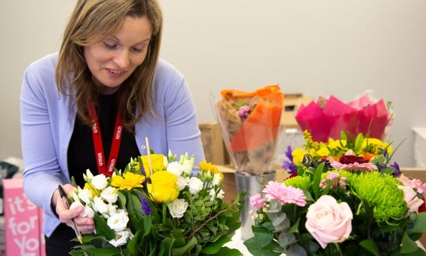 Which? Gardening editor Ceri Thomas judging Mother's Day bouquets
