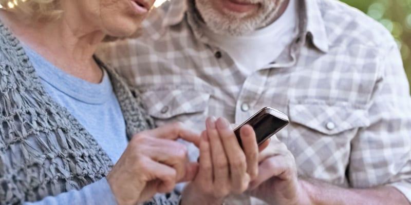 Telecoms regulator calls on providers to improve customer service