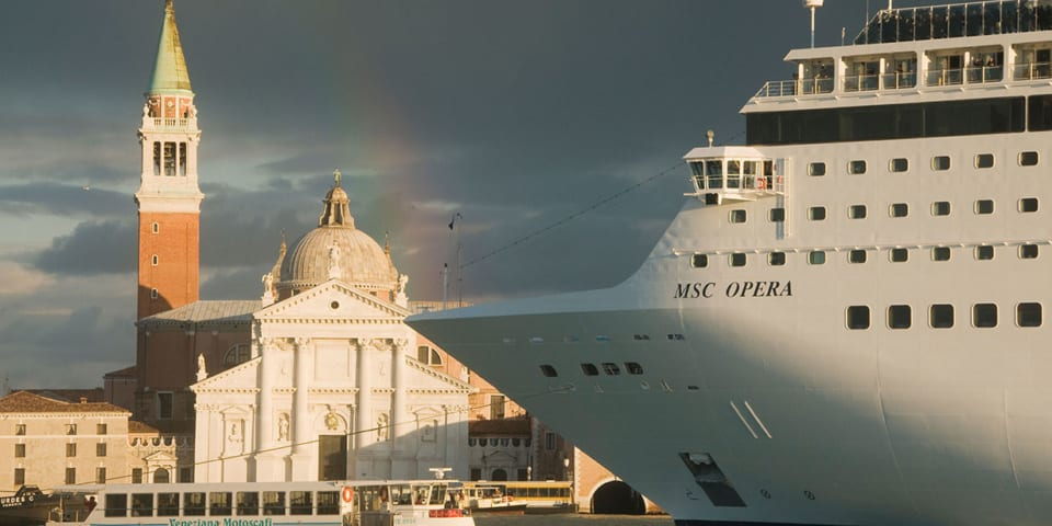 Should cruise ships be banned from World Heritage Sites?