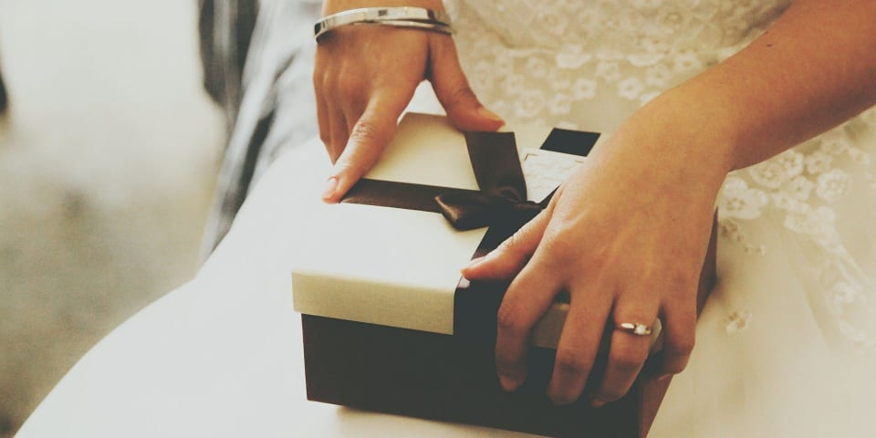 Last-minute wedding gift ideas: best options for every budget