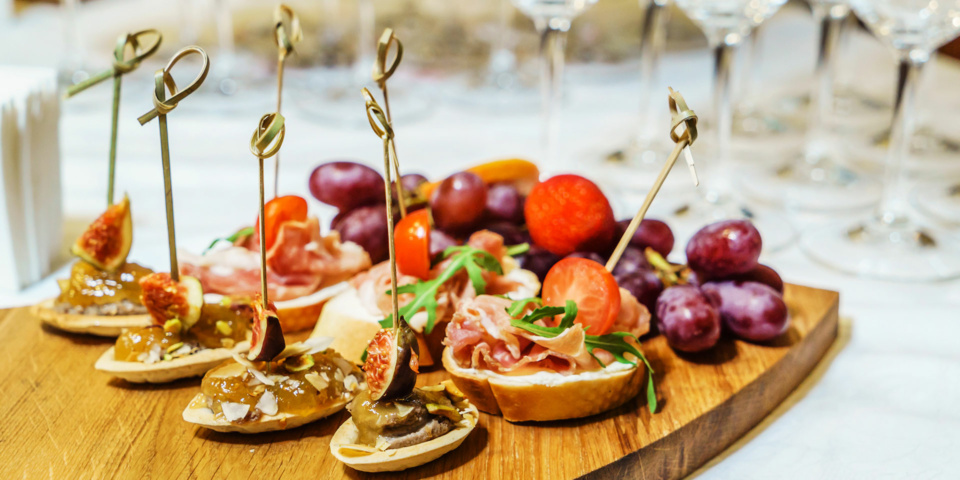 Nine recommended New Year's Eve canapés for vegans and vegetarians